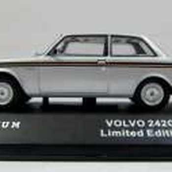 T9 10012 Volvo 242 GT 1978 silver