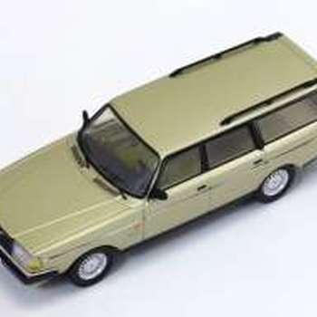 T9 43045 Volvo 240 Polar