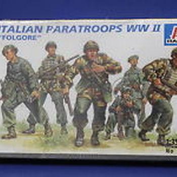 IT 303 Italian paratroops WW II Folglore