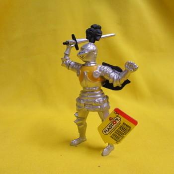 P 60498 Ridder met harnas en zwaard