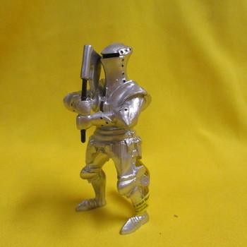 P 60494 Ridder in harnas met strijdbijl