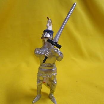 P 60440 Ridder met zwaard en eenhoornhelm blauw