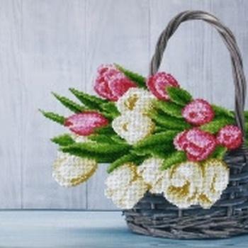 11003 Tulips bouquet